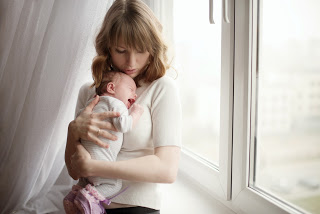 Just had a Baby? Feeling Overwhelmed? A Postpartum Doula Can Help.